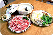 エゴマ豚しゃぶセット(盛付け済-3~4人前)4,100円